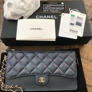 Auth Chanel 19S Black iridescent wristlet bag